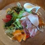 pantagruelico  - 生ハムと旬の夏野菜、とうもろこしのスープ