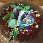 pantagruelico  - シェフが仕入れる三河湾で獲れた魚(すずき)の蒸し焼き 桃のソース