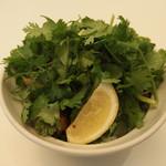 鎌倉bowls - パクチー好きによるパクチー好きのためのパクチー丼