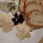 ルーティンダイニング - チーズの盛り合わせ