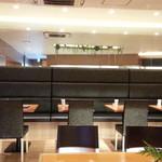 カフェオアシス - テーブル席