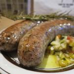 肉バル キングコング - 粗挽きソーセージ(2本)アップ