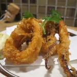 肉バル キングコング - イカのスパイス揚げアップ