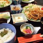 宮ヶ瀬茶屋 花かげ - 【生姜焼き御膳】清川村の特産、清川恵水ポークを使っています。思ったよりボリュームがあり、嬉しいデザート付でした。
