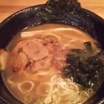 麺処 あみや - あみやラーメン(あご出汁)