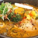 68803432 - チキンと野菜のスープカレー(3辛、200g、チーズ) 1600円