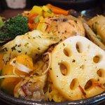 68803459 - チキンと野菜のスープカレー(3辛、200g、チーズ) 1600円