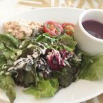 ガーブ モナーク - スープとサラダ