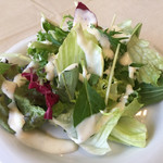 ビストロ ラパンドール - ランチのサラダ