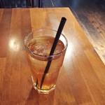 トーチ カフェ - ランチにつくアイスティ