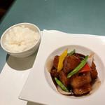 中華ダイニングザイロン - 黒酢すぶたランチ(ご飯、黒酢すぶた)
