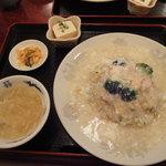 江山楼 - 蟹あんかけ炒飯ランチセット