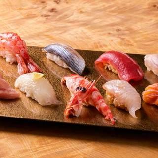 ☆赤酢のシャリと☆砂糖無しの米酢シャリの二種類にて提供