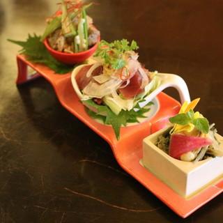 和食をベースに、各国の食文化を交えた創作料理をお楽しみ下さい