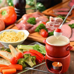 チーズフォンデュ×肉バル The Meat Staition -
