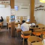 とんかつ 麻釉 - 開店5分後で10人以上の客がいる
