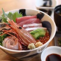 MORI-MESHI 小田原 - 海鮮丼(税抜1,580円)