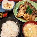 久坊 - 料理写真:ランチ  あらだき定食 780円