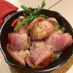 TOLEDO DINING - トマトのベーコン巻きチーズグリル