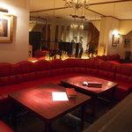ラ・スカーラ - 2階はくつろぎソファーでまったり。
