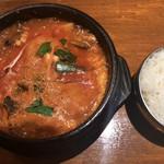 韓国料理 二階屋 - 純豆腐チゲ ¥690