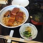 うな昇 - 料理写真:鰻丼吸い物つき