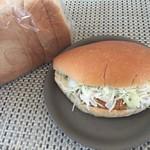 ベーカリー おこめやさん - 料理写真:うさみホワイト(玄米粉食パン)とげんまい粉っぺ(コロッケ)