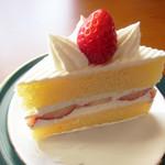パティスリーアノー - ショートケーキ
