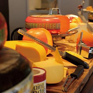 約15種類のチーズなどが食べ放題