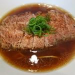 鳴龍 - 醤油チャーシュー麺