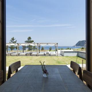 日本海が眺めれる開放感あるレストラン