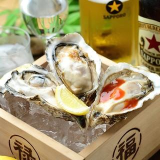全国から仕入れられる鮮度が良い牡蠣、鉄板で焼き上げる牡蠣料理