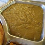 マーディナ - ターリーセットの「ハリーム(牛肉と豆をペースト状にしたもの)」