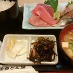 海鮮料理魚春とと屋 - お刺身定食800円