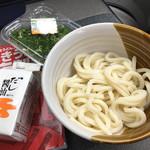 天満製麺所 - 1玉70円+鎌田醤油+ネギ