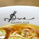 ラーメン ドゥエ エド ジャパン - 丼ぶり内側のサイン