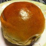 手作り天然酵母 一休 - レーズンチーズパン \105