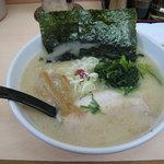 らーめん濱来た - しお豚骨ラーメン(細麺)