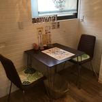 ツモリ カフェ&フラワー - テーブル席