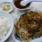 味楽園 - 料理写真:豚角煮定食(2011/02/21撮影)
