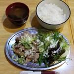 68880342 - 6月ランチワンコイン(塩豚丼&塩唐揚げ定食)500円
