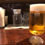 ルセット シェ イイナ - キリン生ビール 中 600円。