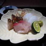 新屋敷 幸福論 - お造り 一皿目  鰆の藁焼き・アオリイカ・石鯛昆布〆