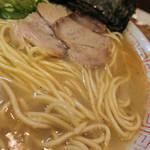 68883125 - 久留米に来たなぁって実感できるスープと麺♪