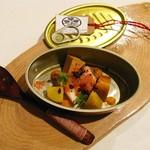 ガーデンレストラン徳川園 - アミューズ・ブーシェ:北海蛸とアン肝の香草蒸し  冷たいトマトのパウダー 薫香を閉じ込めて