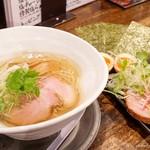 麺屋 卓朗商店 - 2017年3月 特製塩らぁ麺【980円】別皿は写真とりにくいな~(~_~;)