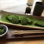 日本茶甘味処あずき - 抹茶わらびもち