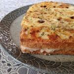 68885192 - グリュイエールチーズのクロックムッシュ
