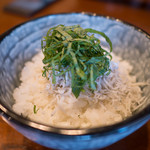 中華そば 四つ葉 - しらす丼