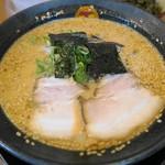 博多とんこつラーメン まるせん - 料理写真:みそとんこつラーメン、通常のセットものに+200円で味噌に変更出来ます